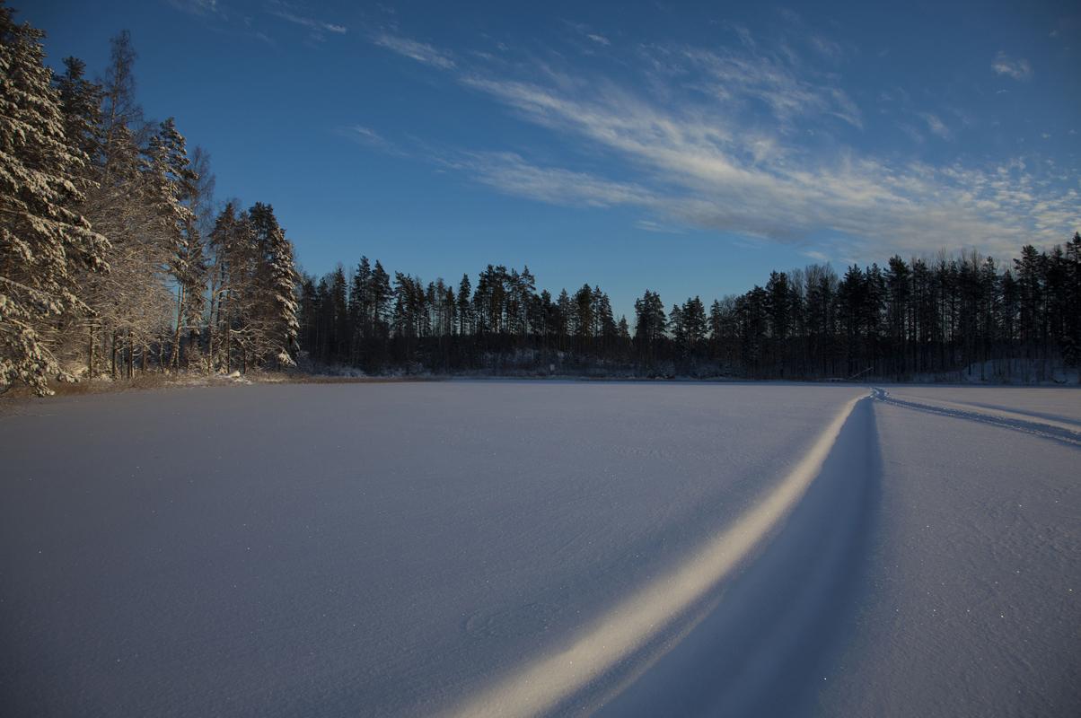 Lumimyrskyn jälkeen Ylä-Tyrjä