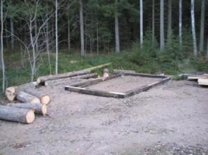 Syksyllä 2007 päätettiin rakentaa varasto katsomon siirrettäville penkeille. Penkkejä oli siihen asti säilytetty näyttämön sisällä