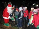 Myös joulupukki vieraili Vainikkalan joulun avaustapahtumassa