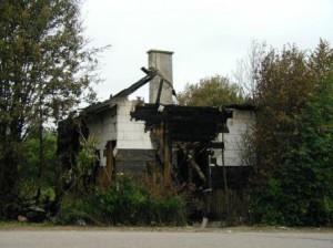 Talo tuhoutui tulipalossa aamuyöllä 28.6.2003